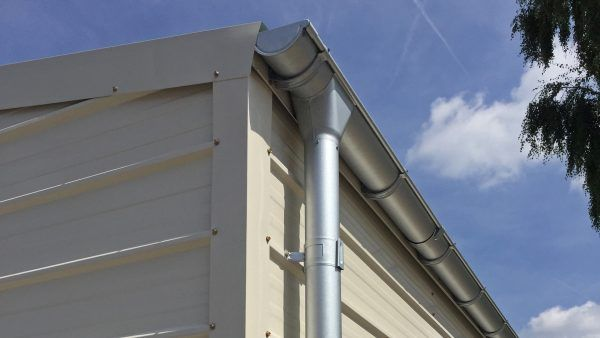 E500-gutter-downpipe-detail