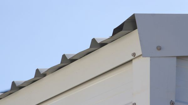 E509-roof-trim