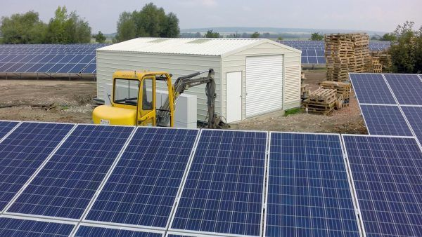 E509-solar-park-tech-building-5