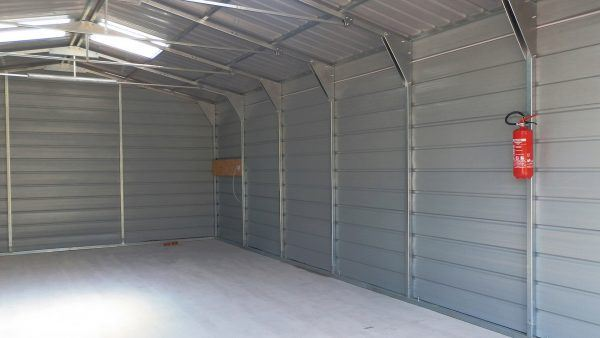 E509-storage-unit-interior